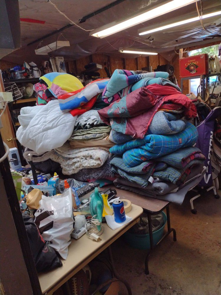 30 Blankets Quilts Comforters