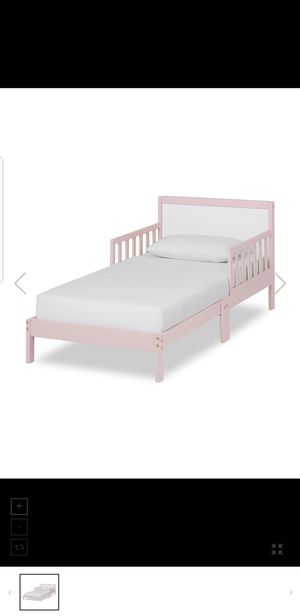 Dream on Me Toddler Bed Frame for Sale in Dallas, TX