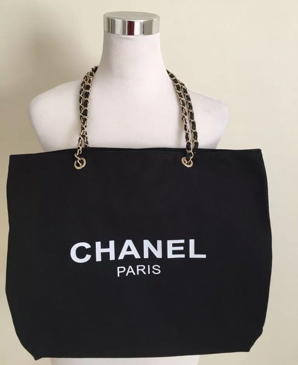 a24a239070191f Chanel VIP gift canvas tote bag (gold chain) for Sale in San Jose ...