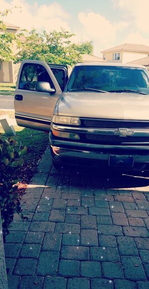 Photo 2002 Chevy Silverado 1500 Powerful A/C runs Great Title in hand, 184k Miles.