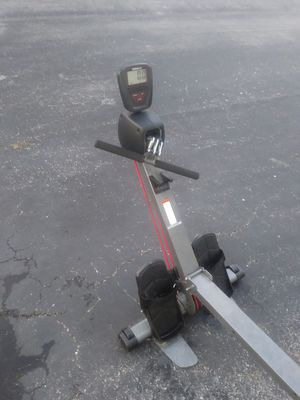Row machine weslo flex 3.0 for Sale in Tampa, FL