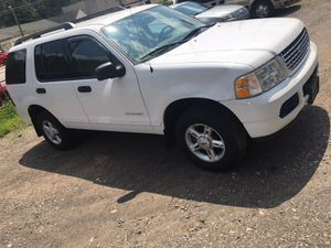 05 Ford Explorer XLT 4wd for Sale in Pittsburgh, PA