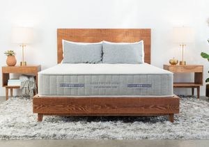"""Photo NEW: CALIFORNIA KING SIZE BRENTWOOD HOME """"MAGNOLIA"""" HYBRID MATTRESS & BOX SPRINGS BED SET"""