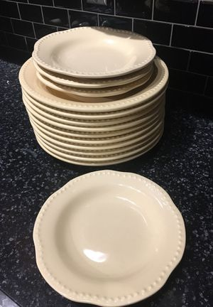Pottery barn Emma Yellow like new dinner and salad plates! for Sale in St. Louis, MO