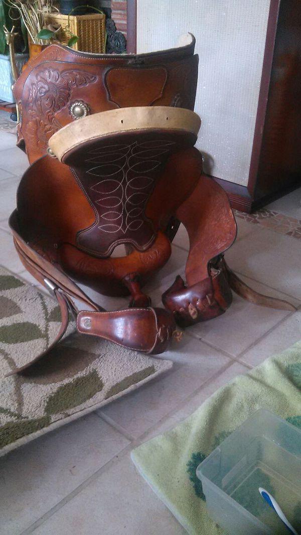Hereford brand Tex Tan of Yoakum  Barrel saddle for Sale in Tacoma, WA -  OfferUp