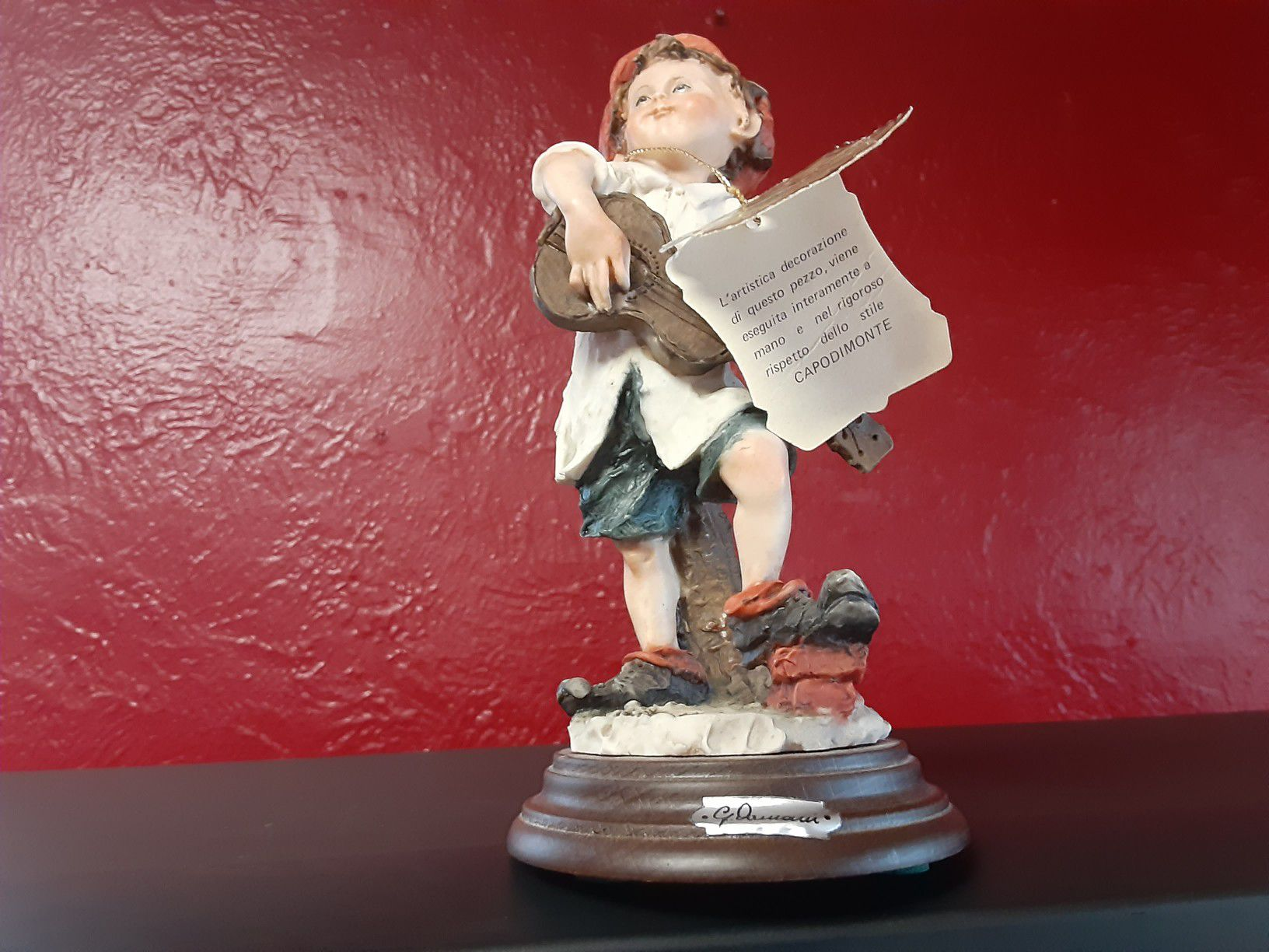 Gorgeous Looking Figurines Excellent condition With Paper WORK With It