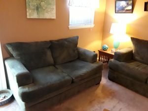 Couch and loveseat for Sale in MONTGOMRY VLG, MD
