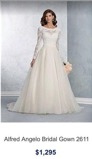 d97b7bec86c7d Ornate Lace Wedding Dress for Sale in Woodland Hills