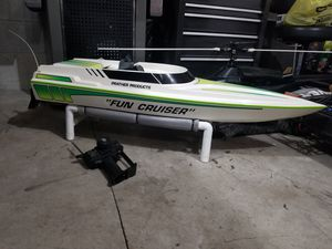 Photo Giant gas powered rc radio controlled boat 250.00