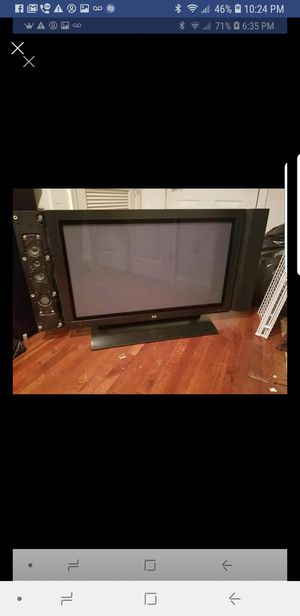 Hp 42 inch tv no remote. Missing side panel from speaker for Sale in Chantilly, VA