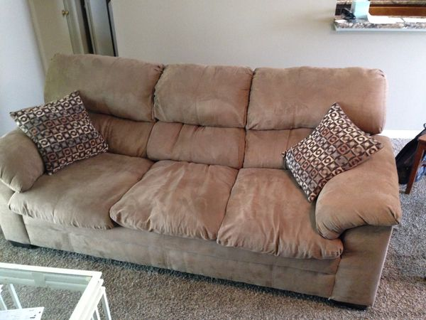 Brown Microsuede Couch With Two Throw