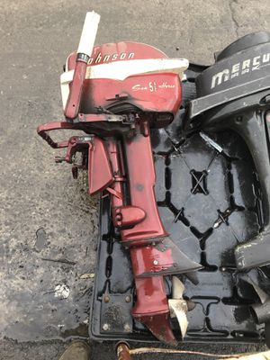 Johnson sea 5 1/2 horse boat motor for Sale in Pittsburgh, PA