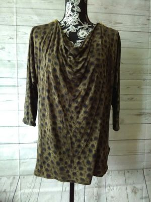 Brand New Beautiful Michael Kors Shirt , Women's size M ( never worn ) for Sale in Frederick, MD