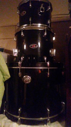 5-piece drum set $275 check out the pictures for Sale in Winter Garden, FL