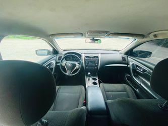 2015 Nissan Altima Thumbnail