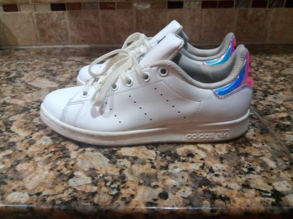 sale retailer 2d165 24681 adidas Originals Stan Smith J White Iridescent Hologram Women Shoes Size 5  for Sale in East Point, GA - OfferUp