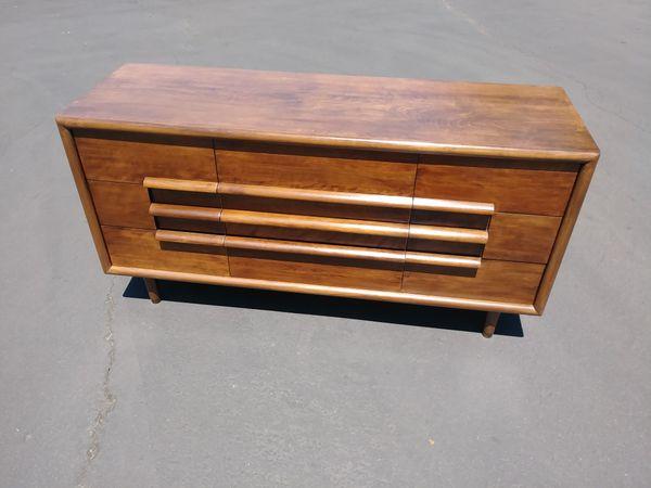 Mid Century Dresser 9 Drawer Furniture Guild Of California Walnut Red