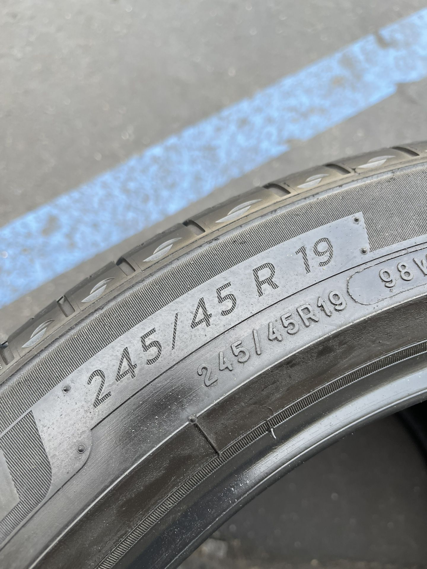 245/45/19 Michelin Primacy Tour
