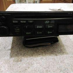 Hyundai H-265yfl Radio And Cd Player Thumbnail