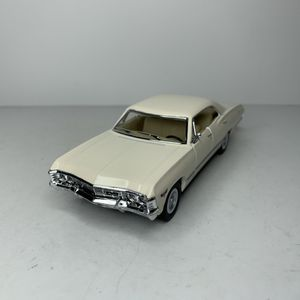 Photo NEW 1967 White Chevy Impala Muscle Car Toy Diecast Metal Model Vintage 1960s Chevrolet Classic