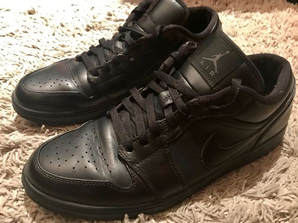 "official photos d3638 3fd4d Like New Air Jordan 1 Retro High OG ""Triple Black"" - Size 11!"