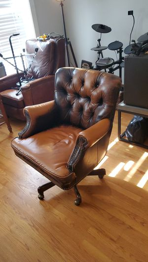 Photo Walter E Smith Leather Desk Chair