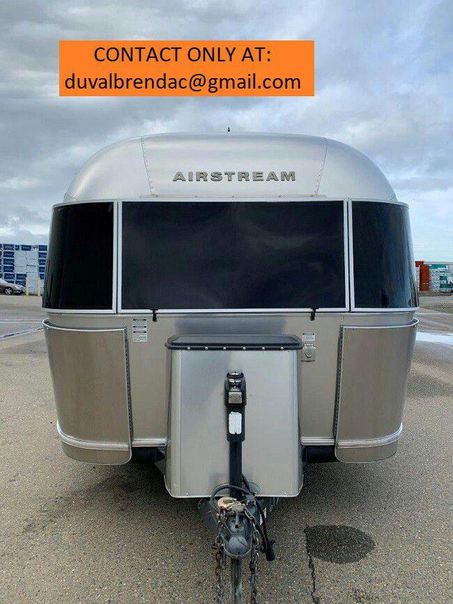 Photo kyuy2015 Airstream Flying Cloud 28 Camping Trailer RV