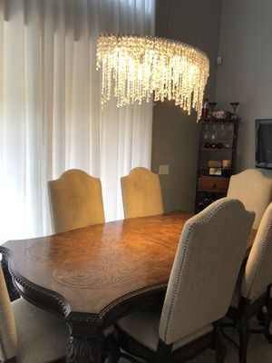 SOLID WOOD 8 SEATER DINING ROOM for Sale in Boca Raton, FL