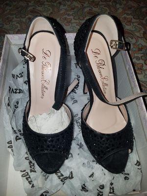 eb34794372d Zapatillas negras nuevas 5 1 2 for Sale in Corona