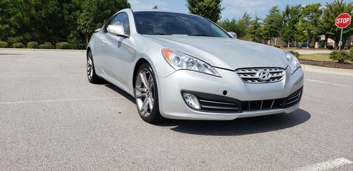 2011 Hyundai Genesis Coupe Thumbnail
