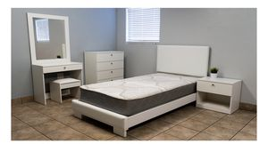 TWIN BEDROOM SET WHITE for Sale in Hollywood, FL