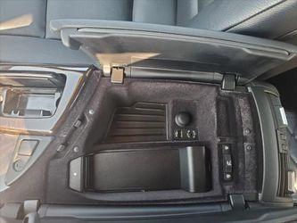2013 BMW 5 Series Thumbnail