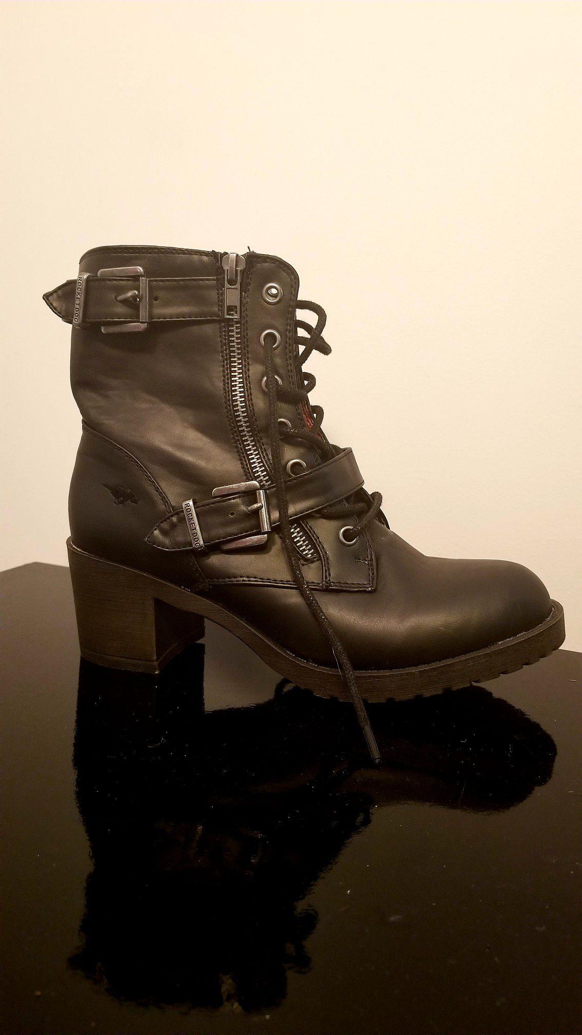 Black rocket dog boots