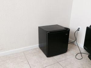 Refrigerador pequeño for Sale in Miami, FL