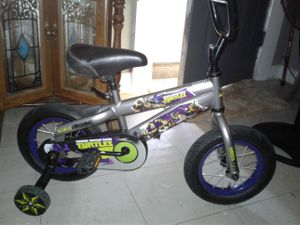 "12"" Ninja Turtle bike w/training wheels for Sale in Memphis, TN"