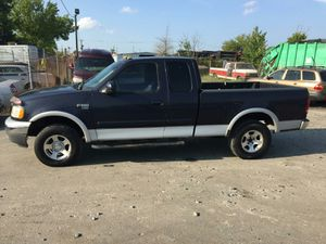 1999 Ford F150 4x4 4.6 180k miles runs and Drives!!! for Sale in Hillcrest Heights, MD