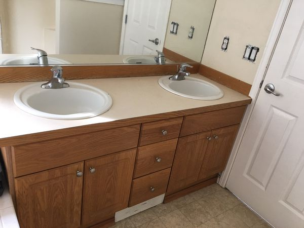 Bathroom Vanity ! FREE for Sale in Seattle, WA - OfferUp