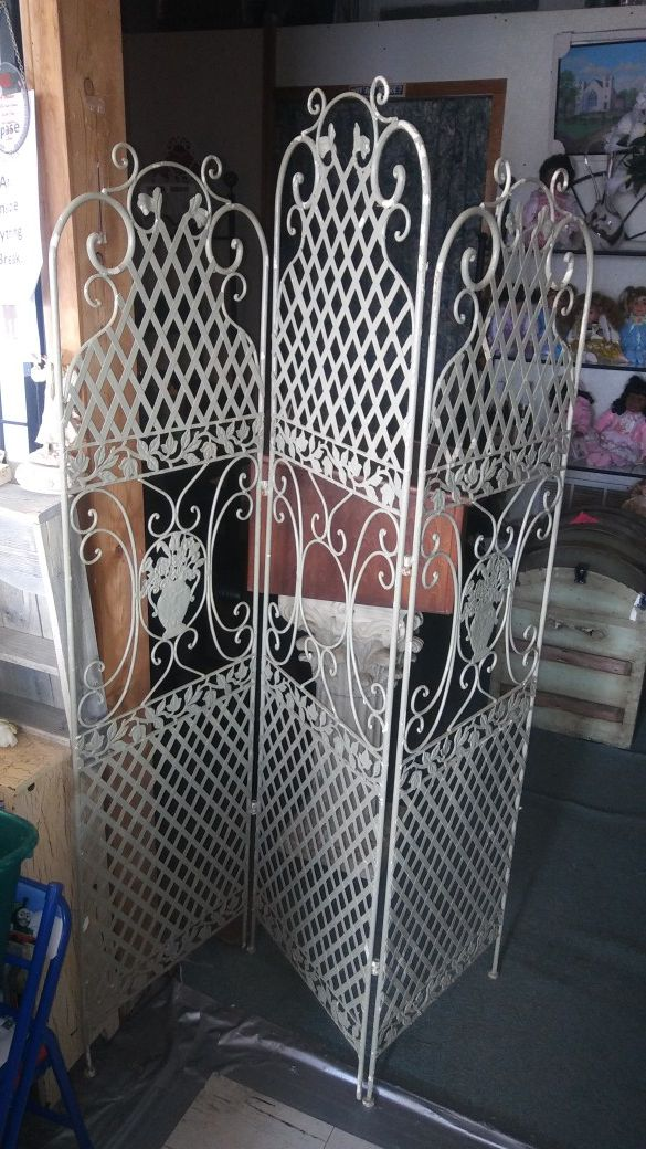 Decorative 3 Panel Metal Room Divider For In Lancaster Tx Offerup
