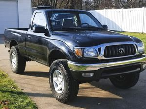 Photo Black 2001 Toyota Tacoma full bed liner