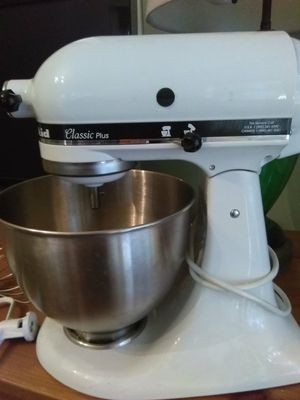 KitchenAid Classic Plus Stand Mixer for Sale in Ontario, CA - OfferUp