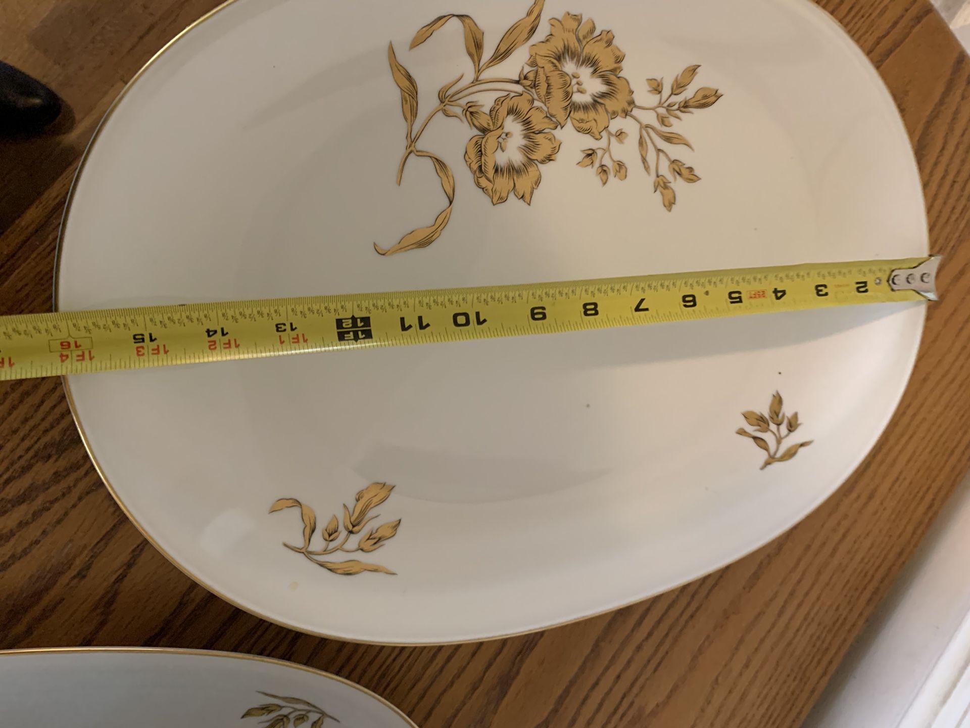 Vintage Heinrich platters and bowl
