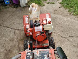 Photo 5hp Tecumseh engine, runs good has electric start.
