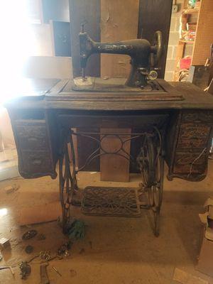 Minnesota sewing machine for Sale in Manassas, VA