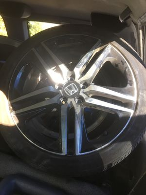 Honda Accord 2018 sport rims and new tires for Sale in Silver Spring, MD