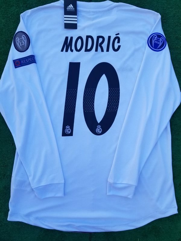 buy popular ba8c9 fc233 2018/19 Real Madrid long sleeve soccer jersey Modric for Sale in Raleigh,  NC - OfferUp