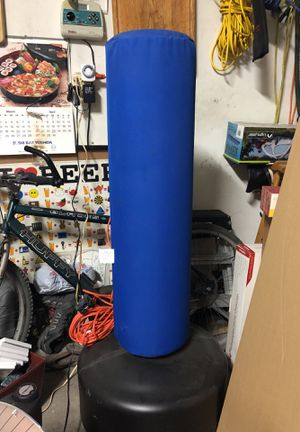 Punching bag in perfect condition for Sale in Los Angeles, CA