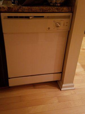 "White 24"" ge dishwasher for Sale in Alexandria, VA"