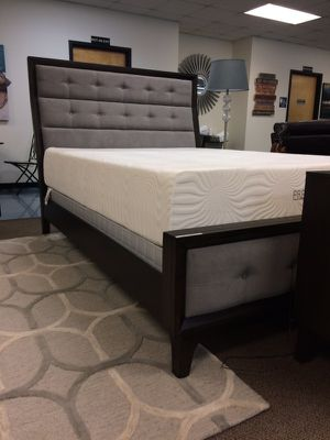 🌹Brand New Bingham King Upholstered Bed & Mattress Set! for Sale in Atlanta, GA
