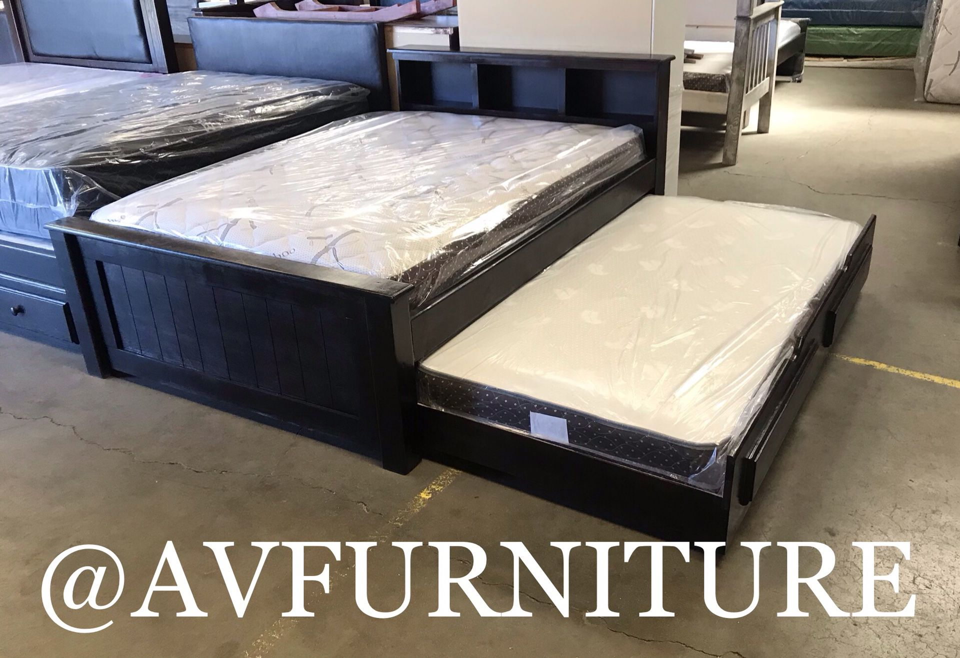 Solid Wood Full Bed With Twin Trundle