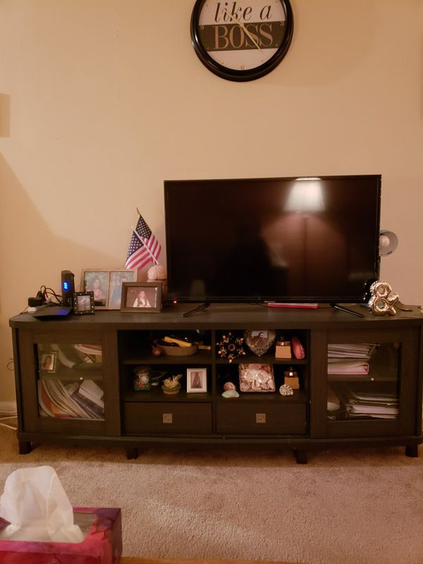 Hisense 40 Inch Entertainment Center